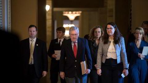 Republikanernes leder i Senatet, Mitch McConnell, vil forhandle med Demokratene for å få slutt på budsjettkrisen. Foto: J. Scott Applewhite / AP / NTB scanpix