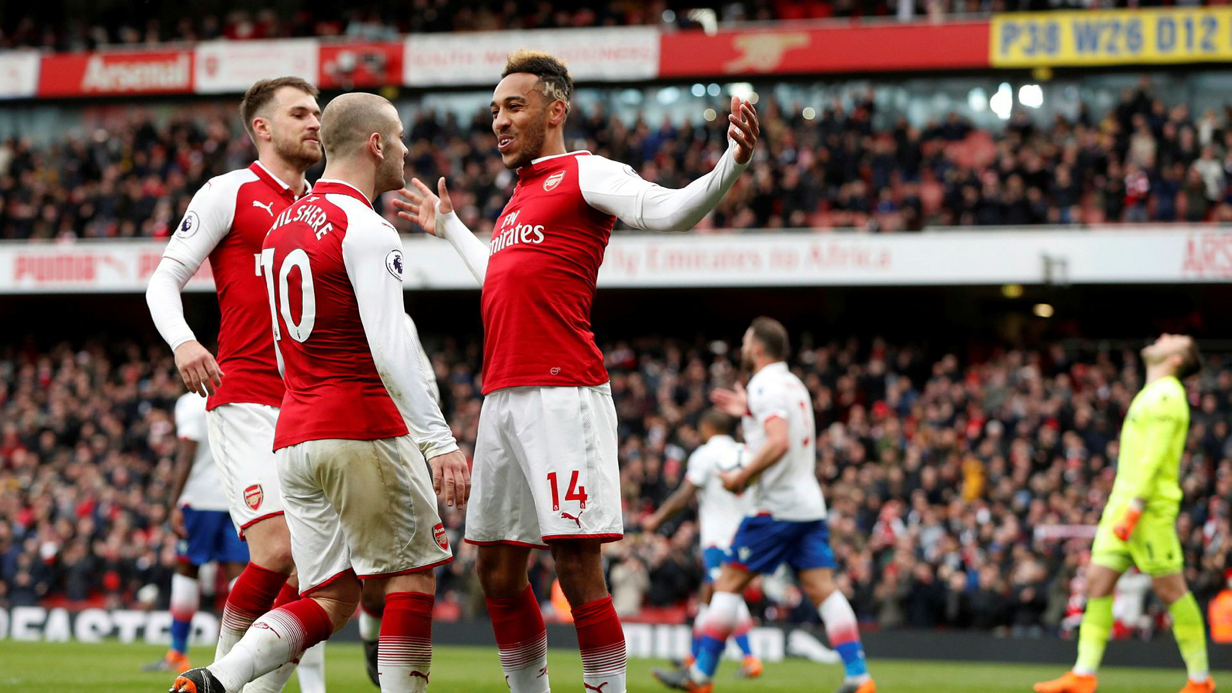TV 2 har vunnet kampen om å sende kampene til Arsenal og de andre lagene i engelsk Premier League frem til 2022. Kanalen lover kundene at prisen på fotballproduktet ikke vil øke med det første.