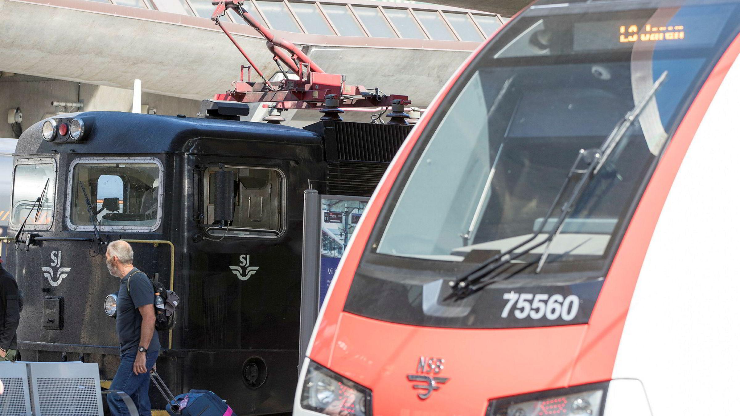 SJ vant anbudet om å drive togtrafikken på Dovrebanen, Rørosbanen, Raumabanen, Nordlandsbanen, Trønderbanen, Meråkerbanen og Saltenpendelen. Selv om Vy, tidligere NSB, lovet flere avganger.