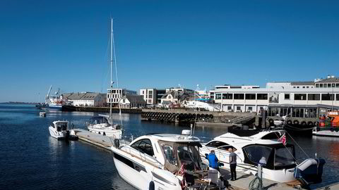 Under koronaen har båtsalget slått alle rekorder i sommer. Høy sparing gjør at neste sommer kan bli minst like bra. Her fra havnen i Ålesund.