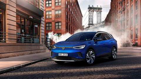 Volkswagen ID. 4 blir i første omgang billigere enn Skoda Enyaq som er bygget på samme plattform.