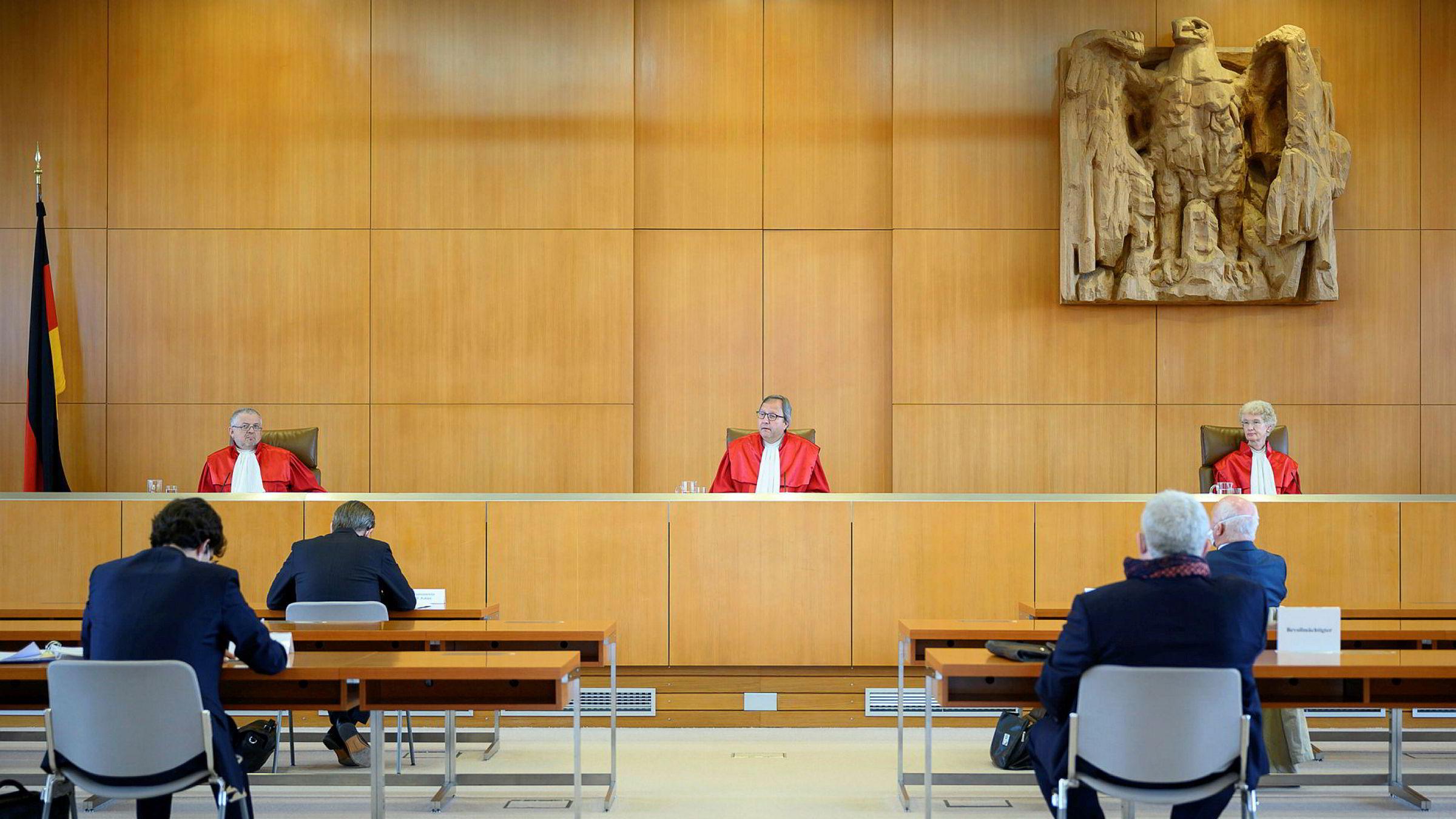 Tyske konstitusjonsdommere vil ikke la seg styre av EU, men vil selv være med på å styre den europeiske sentralbanken.