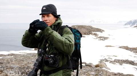 SV-politiker og naturfotograf Arne Nævra mener det er på høy tid å skrote ordninger med skuddpremier på smårovvilt.