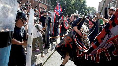 Shaun King er ikke en tilfeldig «borgerrettsaktivist og journalist». Han var blant annet sentral i identifiseringen av voldsforbrytere under fjorårets demonstrasjoner Charlottesville, der dette bildet er hentet fra.