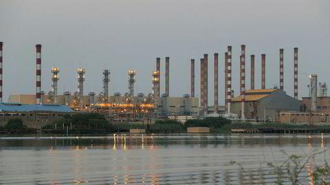 Iran melder om et oljefunn på rundt 50 milliarder fat olje. Her fra det iranske oljeraffineriet Abadan sørvest i landet.