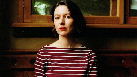 Skjermtid. For tiden jobber Sally Rooney med manuset til en kommende BBC-serie basert på den nye romanen hennes, «Alle andre». Serien skal regissøren av Oscar-vinneren Lenny Abrahamson.