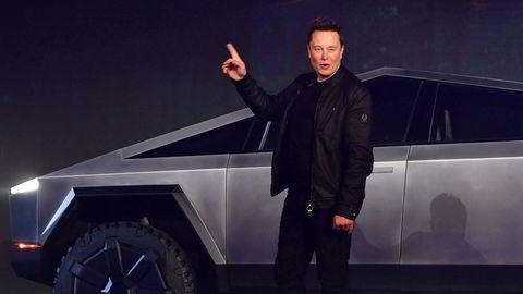 Tesla-gründer Elon Musk har en sterk tiltrekningskraft på aksjonærene. Aksjekursen har i alle fall lite å gjøre med reell verdi av selskapet.