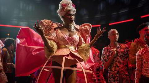 Glitter og drama. TV-serien Pose ble til et slags kulturelt fenomen i 2018, og inspirerte mang en kronikør til å skrive om identitetspolitikk og representasjon.