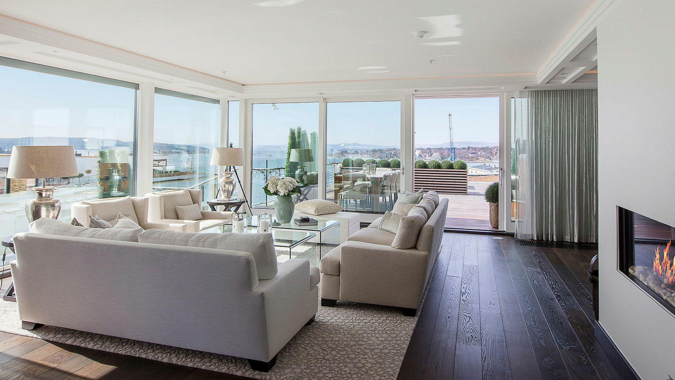Den 201 kvadratmeter store toppleiligheten på Tjuvholmen ble solgt to millioner kroner under prisantydning.