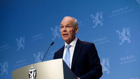 Finansminister Jan Tore Sanner setter av 40 milliarder kroner til midlertidige koronatiltak i 2021.