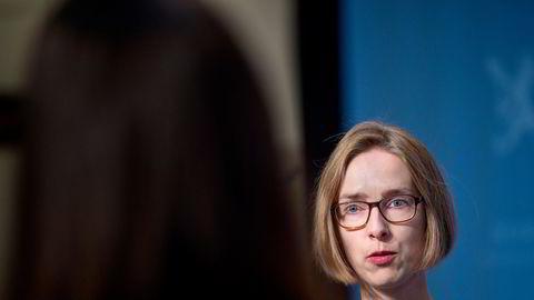Næringsminister Iselin Nybø relansere kontantstøtte for næringslivet, men foretar seg lite med ordningens problematiske incentiver.