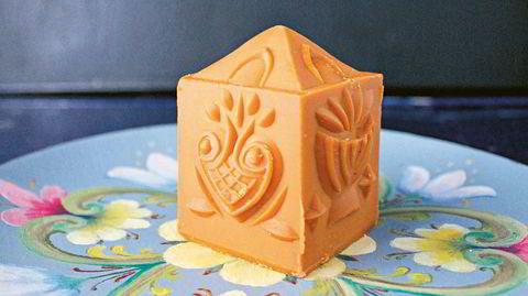 Restefest. Brunost er en felles betegnelse på ost laget av myse, som skilles ut fra ostestoffet under gulostproduksjonen, kokes eller dampes inn, og tilsettes melk og fløte fra ku, geit, eller en kombinasjon.