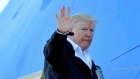 USAs innadvendte politikk har utviklet seg over flere år og er svært avgjørende, fordi verdensordenen blir stående uten en klar leder, skriver artikkelforfatteren. Her er USAs president Donald Trump på vei inn i presidentflyet Air Force One.