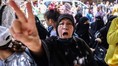 Palestinske tilhengere av Hamas feiret fredag på Gazastripen våpenhvilen som Egypt har meglet frem mellom Hamas og Israel.