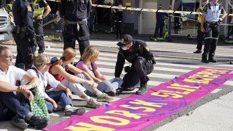 Aksjonen er beskyttet av demonstrasjonsfriheten, men det er hverken utdrikningslag eller helgefylla, skriver Carsten Smith Elgesem. Bildet er fra mandagens klimademonstrasjoner i Oslo.