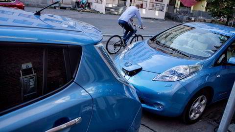 Hvis nyere biler vrakes, er det forsikringsselskapene som tar denne beslutningen som en del av skadeoppgjøret, skriver Erik Andresen.
