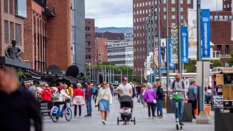 Inntektslikheten blant nordmenn flest (99 prosent) har skapt en ulikhet mellom den én prosent rikeste og resten, som er på USA-nivå, skriver artikkelforfatterne.