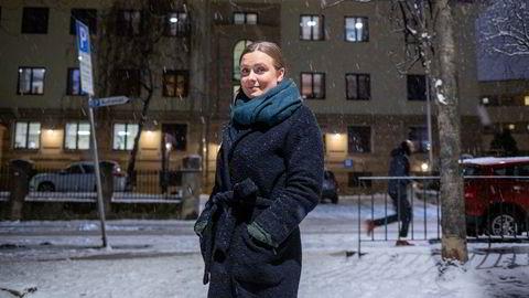 Thea Christine Thorshov er sykepleier med ti års ansiennitet, en mastergrad og har nettopp begynt på en doktorgrad. Hun og samboeren har lenge vært på boligjakt, men opplever at aktuelle leiligheter selges langt over prisantydning.