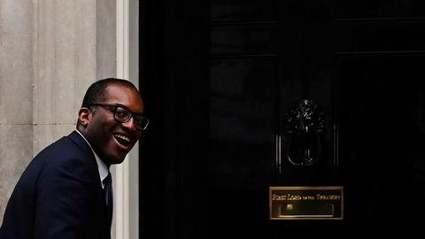 Den britiske ministeren Kwasi Kwarteng forhandler nå om en krisepakke for å redde britiske leverandører av gass.