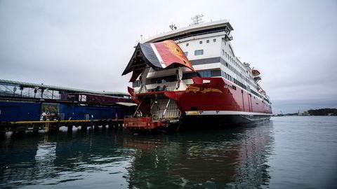 Skipsselskapet Fjord Line ble hardt rammet av koronapandemien i 2020. Her ankommer fergen «Oslofjord» Sandefjord havn, som seiler mellom Sandefjord og Strømstad i Sverige.