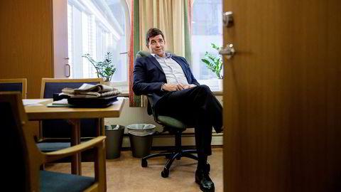 Den tidligere Høyre-toppen Gunnar Gundersen begynte i ny jobb mens han fikk fratredelsesytelse fra Stortinget. Her fra tiden som folkevalgt.