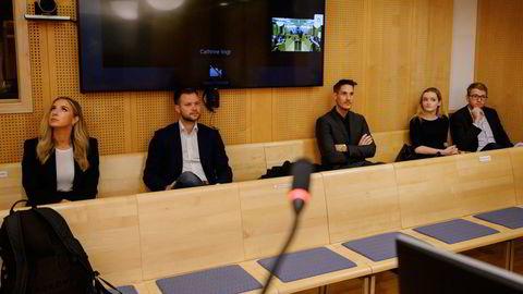 De tre selskapene som saksøker Oslo kommune representert av Christina Moe Gjerde fra Voi (fra venstre), Espen Rønneberg og Johan Olovsson fra Ryde, Julia Sandstø og Morten Askeland fra Tier.