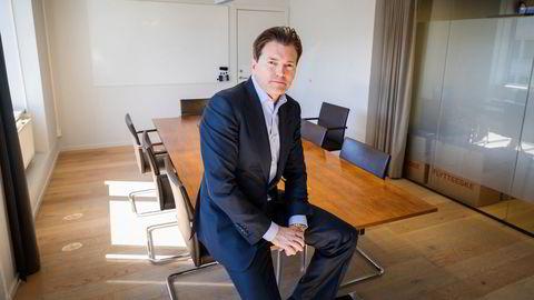– For en privatperson med noen hundre tusen eller mer, så ville jeg gått i aksjefond eller indeksfond, sier investor Arne Fredly.