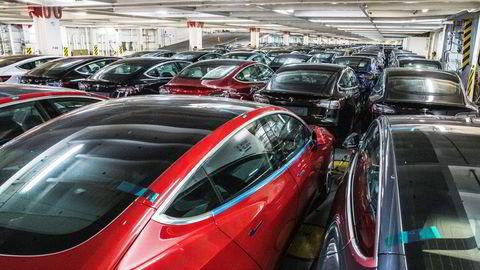 Her en bilfrakter full av Teslaer som kom til Norge i 2019.