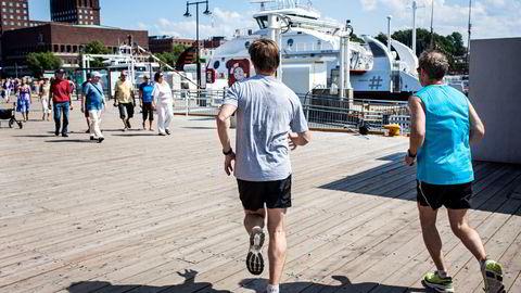 Løping krever lengre restitusjonstid enn sykling og svømming selv om varigheten og intensiteten er den samme, skriver artikkelforfatteren.