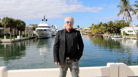 Investor Asbjørn Abrahamsen gir ikke opp Norwegian. – Jeg har tro på selskapet og den kvaliteten det har, sier han. Her er han fotografert på gaten Mercedes Dr i Florida-byen Fort Lauderdale, også kalt «Amerikas Venezia», på grunn av sine mange kanaler.
