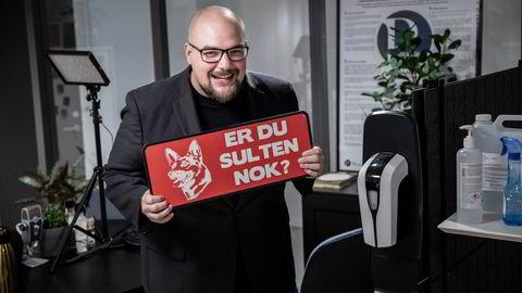 Medier24- og Kom24-redaktør Erik Waatland (32) styrer den raskest voksende nyhetsgasellen i Norge.
