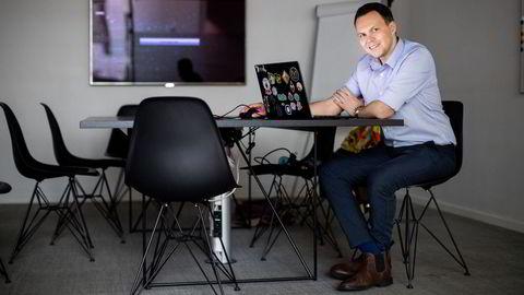 Aleksander Leonard Larsen er driftsdirektør og en av fem gründere i kryptospillselskapet Sky Mavis som nå får store amerikanske investeringsselskaper på eiersiden.