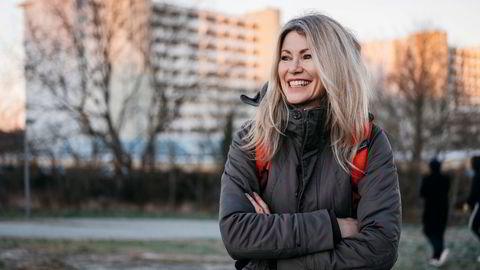 Siri Kalvig leder investeringsfondet Nysnø. På vei for å holde foredrag på St. Svithun videregående skole. Etterpå får hun spørsmål fra elevene som blant annet spør henne hvorfor hun mener kjernekraft ikke er en del av løsningen på klimakrisen.