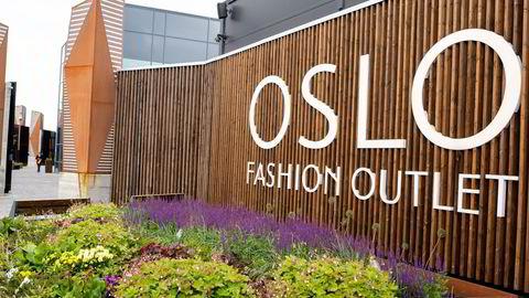 Oslo Fashion outlet i Vestby har tapt 188 millioner siden 2019. Likevel har omsetningen økt i koronaåret 2020. Fasadene er blitt pusset opp i løpet av 2020.