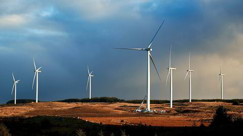 Vindmøllestøtten kan gi møller som er gode, feilplassert eller ikke kan resirkuleres. Den gir billig kraft og åpner ikke for energisparing, skriver artikkelforfatteren.