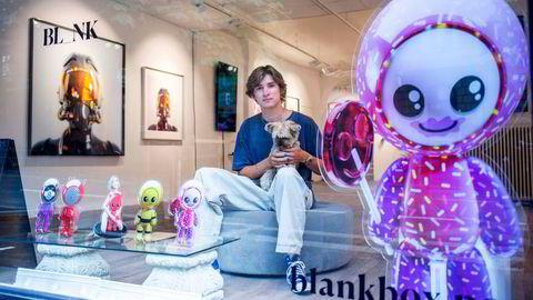 Trym Ruud (22) har omsatt for 11 millioner norske kroner på et halvt år. Han sammenligner kryptokunst med hvilken som helst annen kunst.