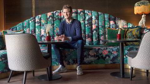Ordr-gründer Edwin Fjeldtvedt på Petter Stordalen-hotellet The Hub i Oslo sentrum, som er ett av stedene som har tatt i bruk løsningen hans.