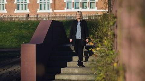 Boligforsker Mari O. Mamre venter at boligprisene vil fortsette nedover på landsbasis og i Oslo.