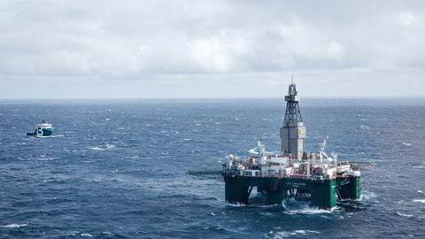 Tanken om å sitte igjen med olje som ingen lenger vil ha, er skremmende, skriver artikkelforfatteren. Her fra boreriggen Leiv Eiriksson i Barentshavet.