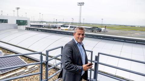 På Københavns hovedflyplass Kastrup har trafikken gradvis kommet i gang igjen. Nå har kommersiell direktør Peter Krogsgaard planer for store utvidelser av taxfreesalget.