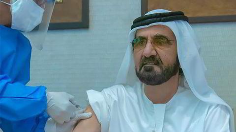 Kronprinsen av Dubai og statsminister i De forente arabiske emirater, Mohammed bin Rashid Al-Maktoum, fikk i november en eksperimentell koronavaksine fra kinesiske Sinopharm.