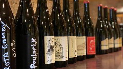 Rekken med vin fra Ganevat har både vovede og mer vanlige etiketter.