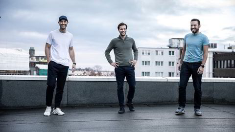 Spacemakers arbeidende styreleder Anders Kvåle (fra venstre), administrerende direktør Håvard Haukeland og teknologidirektør Carl Christensen selger oppstartsselskapet sitt for 2,4 milliarder kroner, fire år etter at de grunnla det sammen.