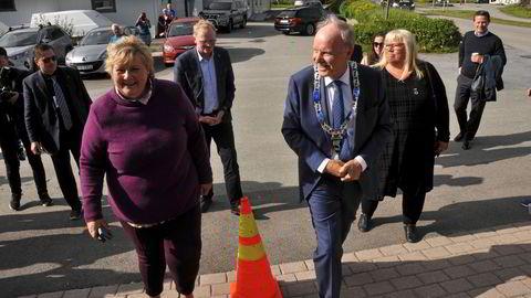 Statsminister Erna Solberg besøkte Bø kommune og Høyre-ordfører Sture Pedersen i sommer.