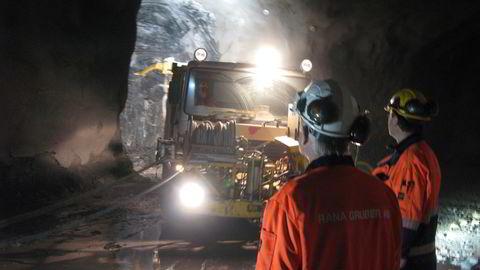Rana Gruber er blant selskapene som går på børs. Her produksjon av jernmalm 200 meter under bakken.