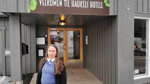 Kamilla Langen kjøpte Haukeli hotell av eksadvokat Halstein Sjølie i 2018. Det kostet henne dyrt.