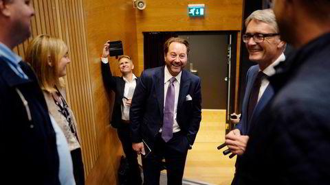 Den nye oljeskatten vil ha positiv effekt for de største selskapene på norsk sokkel og især Kjell Inge Røkkes Aker BP og Aker Solutions, ifølge analytikere.