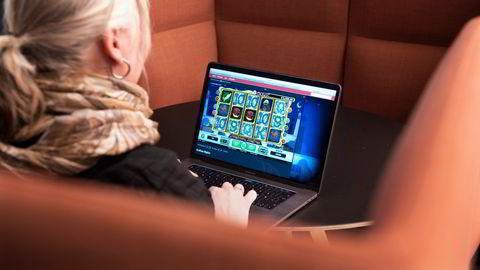 Flere spillselskap og betalingsleverandører sluttet å tilby spill og tjenester i Norge, skriver Henrik Nordal.