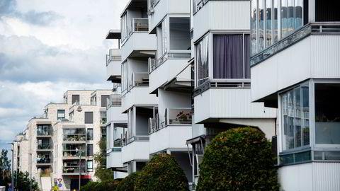 Et egnet tiltak kan være å splitte opp Obos i flere mindre boligbyggelag, skriver artikkelforfatteren.