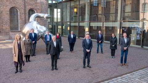 Koronakommisjonen skulle kartlegge alle relevante sider ved myndighetenes håndtering av pandemien, unntatt de økonomiske krisepakkene. Kommisjonsleder Stener Kvinnesland i front mot venstre.